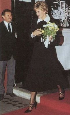 """December 14 1992  Diana, Patron, The Chicken Shed Theatre Company, attended a Gala Performance Production of """"The Night Before Christmas"""" at London's Palace Theatre, W1"""