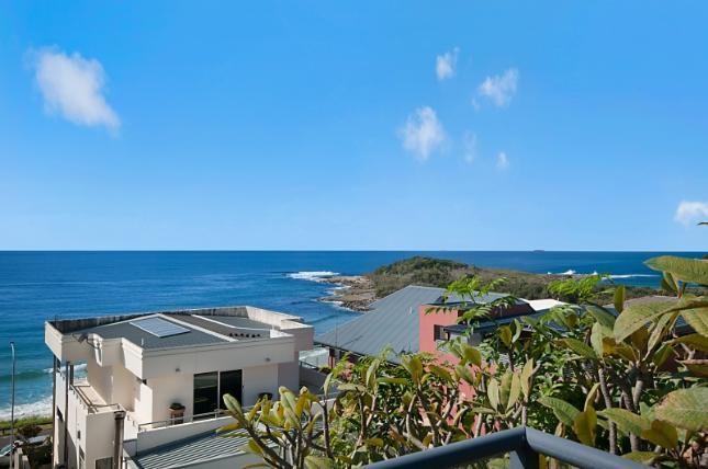 Blue Horizon, a Yamba House | Stayz