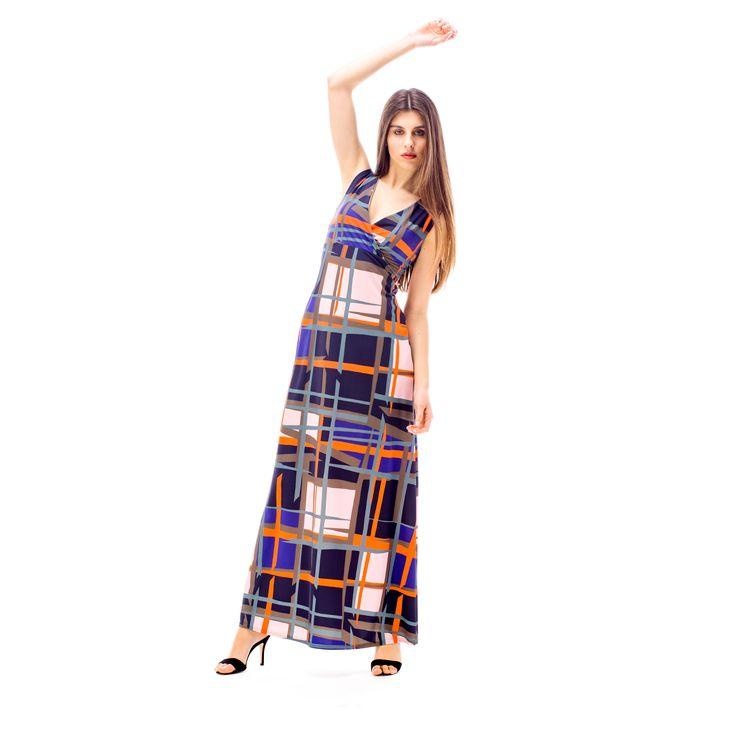 Urban chic o pennellate geometriche, la tua #estate2017 si avvicina. Un mix di #colore, #outfit perfetto, #fashion e #madeinitaly. #springsummercollection2017 #handmade #jerseypants #shirt #italianstyle #newprints #vogueitalia #iodonna #style