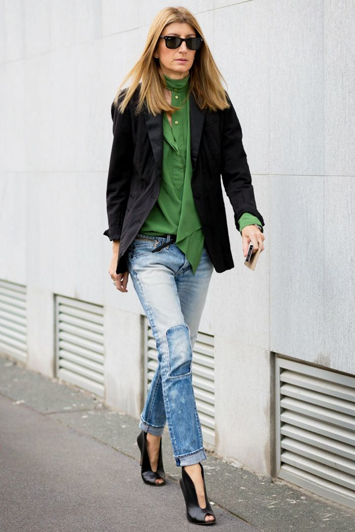 Green blouse, patchwork jeans, and a black blazer