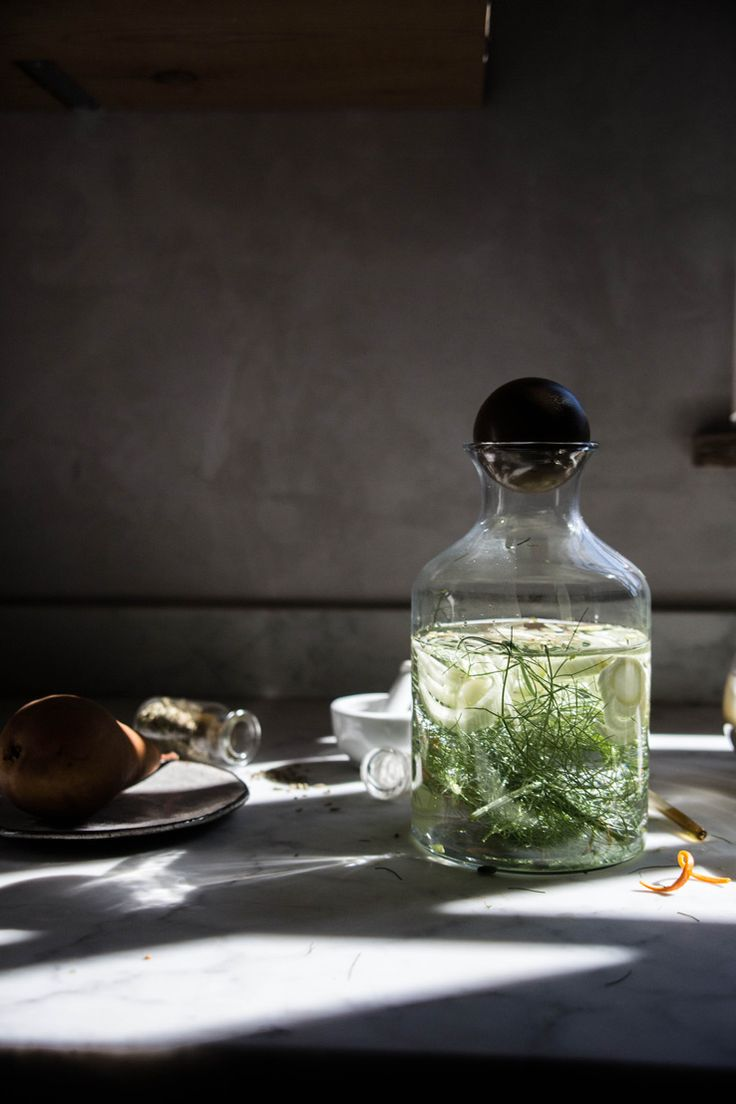 Tutorial lighting drinks and other product photography - Get The Recipe For This Fennel Infused Verjus Cocktail