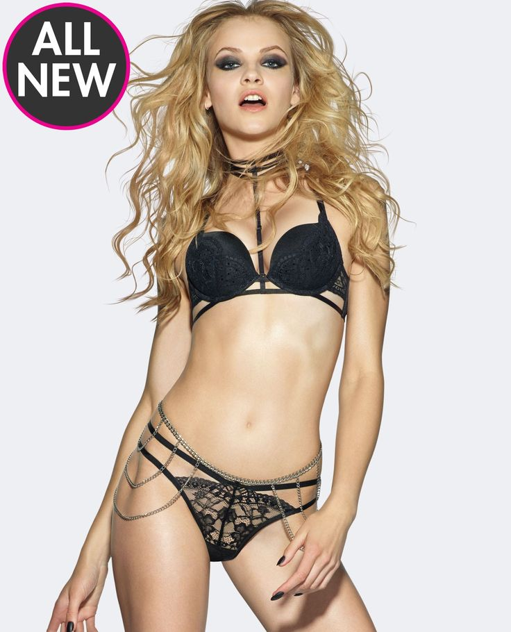 Stun in this sexy push up choker bra! With a removable choker detail that can take your look from sexy to pure seduction! Shop Push Up Bras at La Senza.