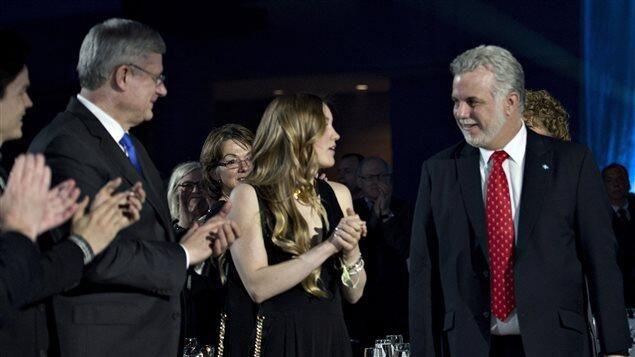 Avec #Couillard_le_Saoudien et #Harper_le_Ouesterneur Le #Québec qui «va y goûter» ! http://bit.ly/PyQF0F #PolQc * pic.twitter.com/3aIxb3OwQB