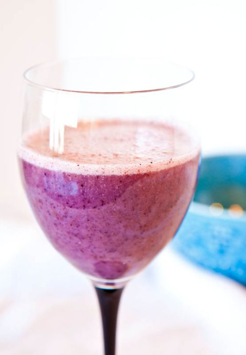 Blueberry+Banana+Recovery+Smoothie+-+Sweet,+fruity,+a+little+bit+creamy,+and+very+refreshing!+A+great+post-workout+smoothie!