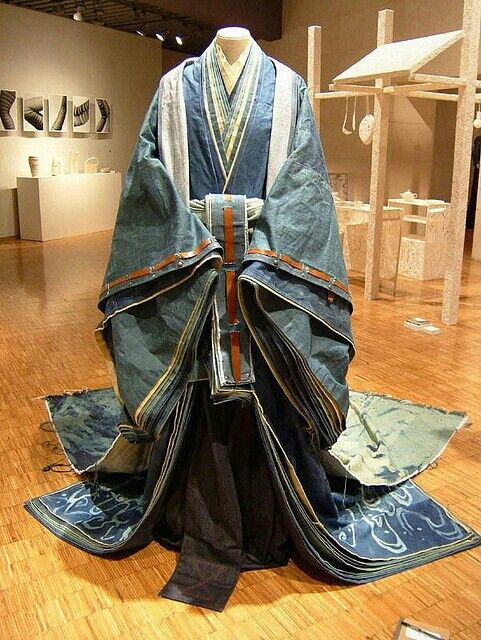 Very clever Japanese design from old jeans by Rina Karibe.