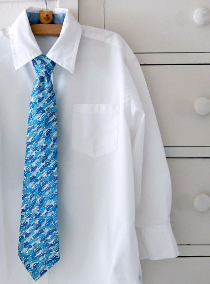 LIttle Boy's Tie - the purl bee - #tutorial #diy - how cute this would be to match sister's dress for a family picture! ;)