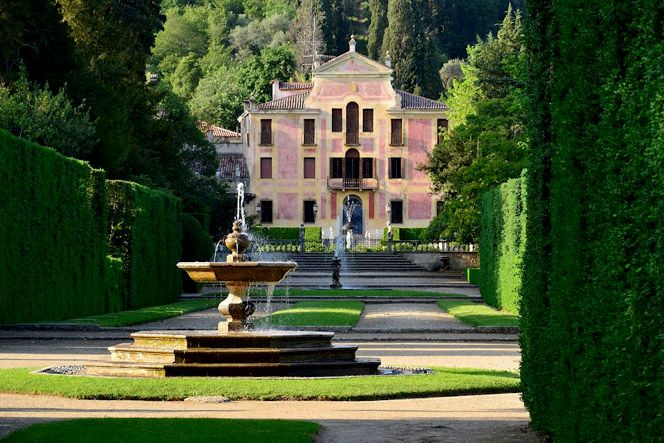 "labirinto valsanzibio   Villa Barbarigo è un ""giardino filosofico"", un parco simbolico ..."