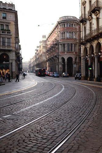 Turin, Piedmont, Italy y es ver el centro de valparaiso. especialmente esta avenida