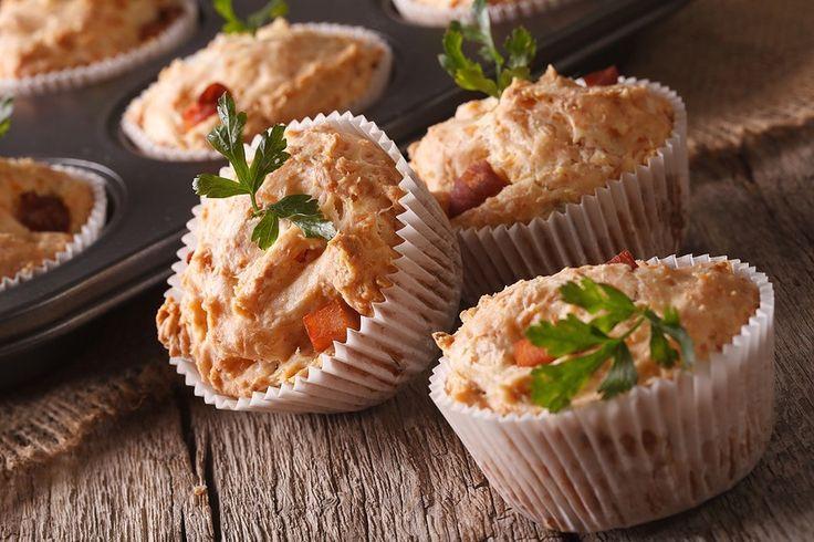 Facebook Pinterest Print EmailBrug disse lækre muffins med kylling og hytteost til madpakken eller som tilbehør til aftensmaden. De har et højt indhold af protein og lavt indhold af kulhydrat, hvilket gør dem både sunde og mættende. Og så er…