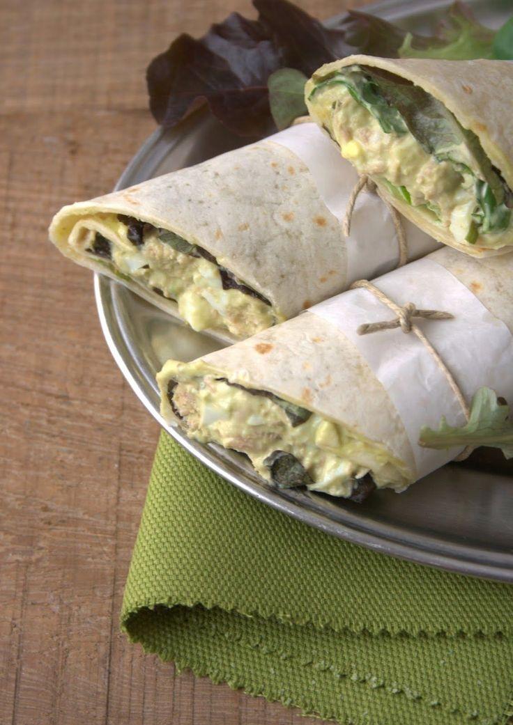 WRAPS DE AGUACATE CON ATÚN Y HUEVO DURO:  1 aguacate = 5Pp 4 tortillas de trigo = 16 Pp 2 huevos duros = 4 Pp 2 lata de atun = 2 Pp 3 cucharas de mayonea = 3 Pp Lechuga = 0 Pp 1/2 cucharadita de curry = 0 Pp (no se cuanto es eso pero me imagino que por media cucharada de curry...) sal  TOTAL PROPOINTS = 30 Pp TOTAL PROPOINTS POR UNIDAD = 7.5 Pp