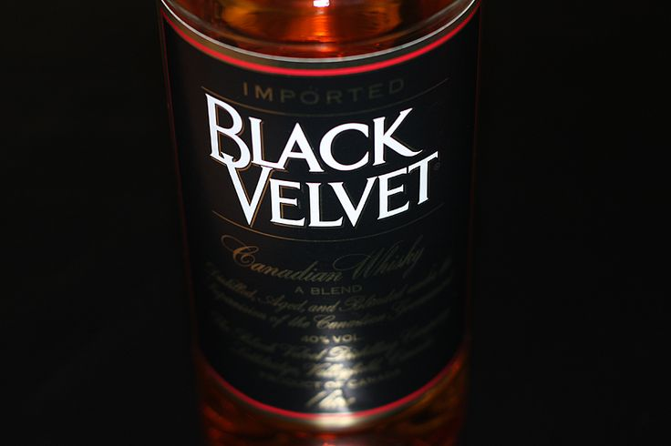 Black Velvet ir Black Velvet Toasted Caramel