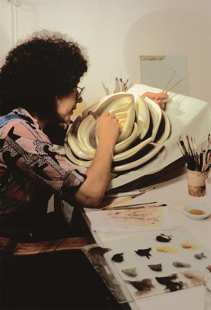 Judy Chicago painting the Virginia Woolf plate for the Dinner Party, 1978. #inspiration #muse #art