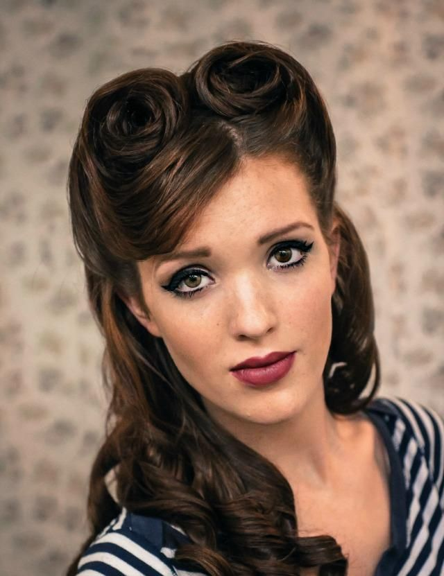 retro rockabilly frisur victory rolls locken
