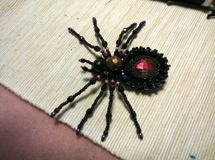 beading, spider, brooch