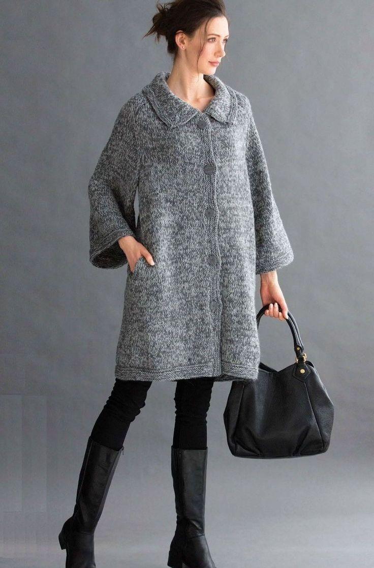 Свободное вязаное пальто Cocoon с отложным воротником и карманами от дизайнера Deborah Newton из Vogue осень 2015. Свободное вязаное пальто Кокон, описание работы.