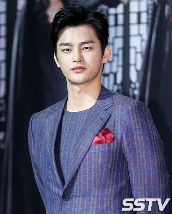 The stars of King's Face at production press conference » Dramabeans » Deconstructing korean dramas and kpop culture