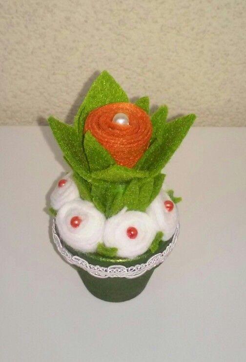 Virág filcanyagból