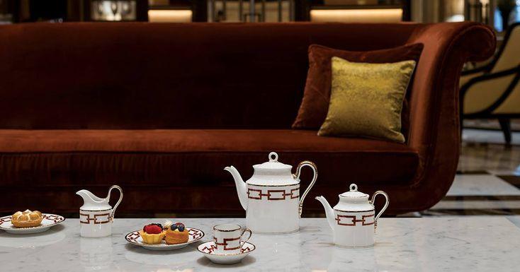 High Tea in Rome at Hotel Eden Rome. Catene Scarlatto coffee set collection. #ManifatturaRichardGinori #LuxuryItalianDesigns