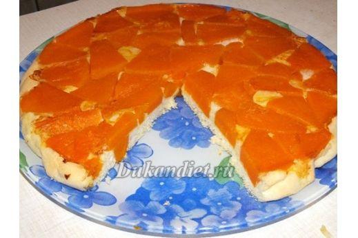В до Дюкановскую пору очень любила этот пирог. Он очень вкусный, а главное полезный! Всё думала как его адаптировать к Дюкану, и вот нашла выход.  Начинка: Тыква, цедра половины апельсина, сах. зам по вкусу.  Тесто: рецепт теста я взяла с великолепного рецепта Тирамису от Кара. http://dukandiet.ru/tiramisu/ 3 яйца, 2 ст. л. кукурузного крахмала, заменитель сахара, 1/2 ч.л. разрыхлителя.  1. Режем тыкву на кусочки, толщиной где-то около 1 см. Количество тыквы, смотрите...