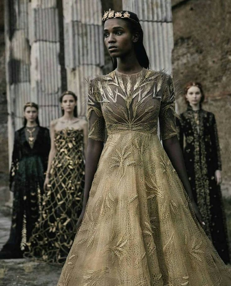 Prinses - jurk - zwart haar - donkere huidskleur