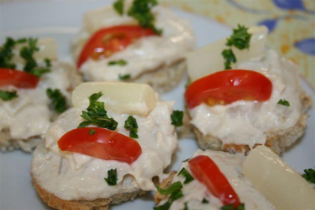 Praline van asperges en makreelmousse
