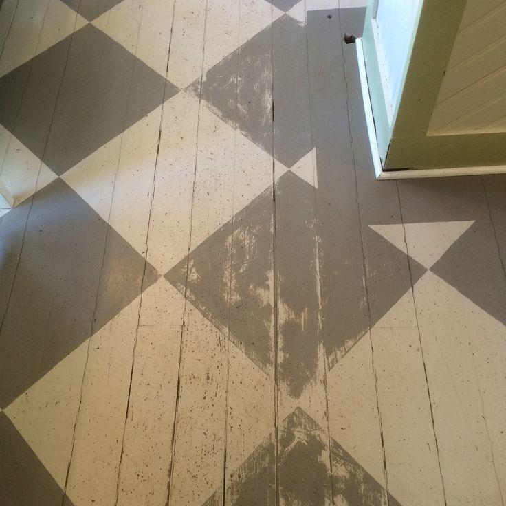 Rutigt golv. Gårdby lanthandel