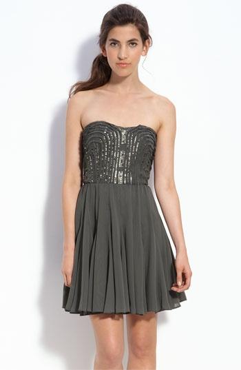 Calvin Klein strapless: Strapless Chiffon, Calvin Klein, Party Dresses, Sequins Trim, Sparkle Bridesmaid Dresses, Chiffon Dresses, Grey Dresses, Cute Parties Dresses, Holidays Parties Dresses