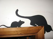Leaning Cat And Cheeky Mouse Door Topper Very Chic