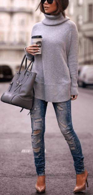 patent neutral pumps paired with a grey turtleneck and ripped skinny jeans is a super cute fall outfit! #pumpsoutfit