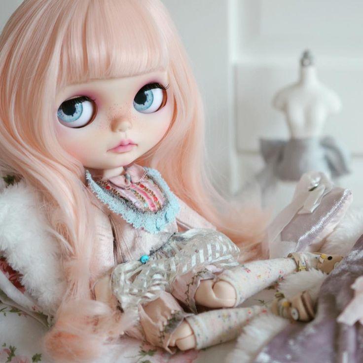 New girl needs a name! ☺️ #mapoupeecherie #blythe #blythedoll #blythecustom #doll #artdoll