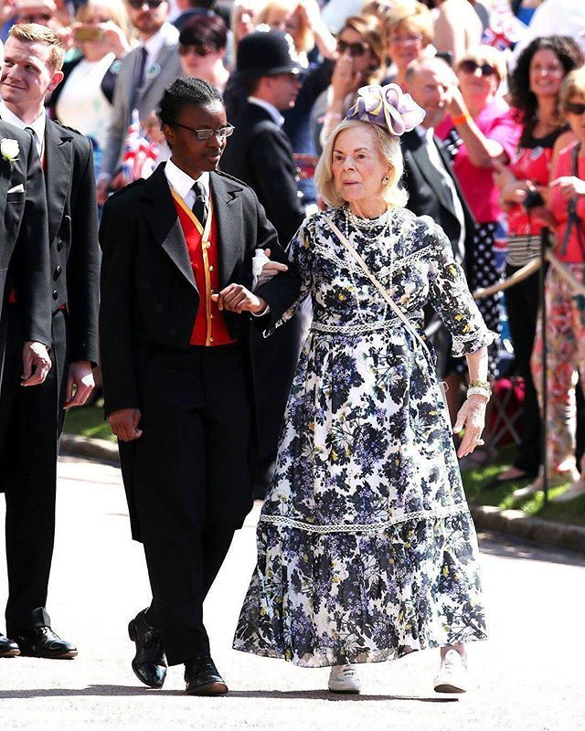 New Style Muse Royalwedding 85y O Katharine Duchess Of Kent Wore Trainers To The Wedding Ph Royal Wedding Guests Outfits Wedding Guest Outfit Guest Outfit