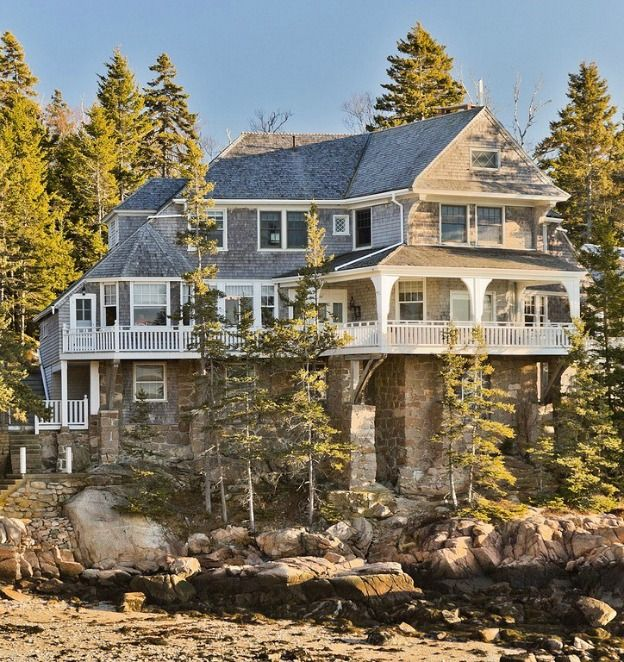 The House From The Man Without A Face Movie In Maine Shingle Style Homes Shingle Style Famous Houses