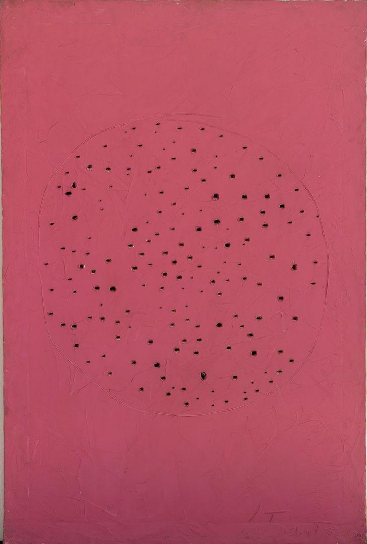 Lucio Fontana, Concetto spaziale. Olio rosa e buchi su tela, (1960-1961)