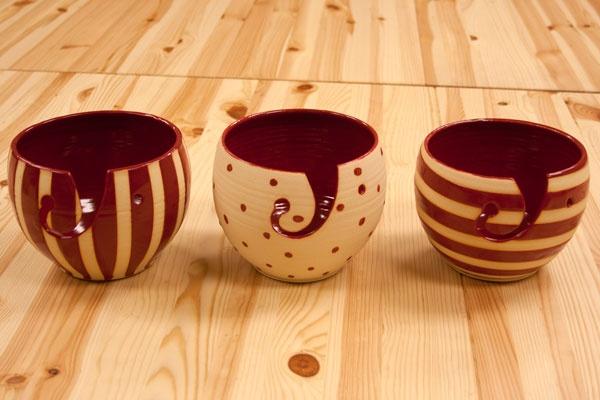 Yarn bowls from a Vendor at TNNA: Bowls Plates, Yarn Bowl, Things Yarns, Diy Crafts, Yarns Bowls I, Functional Yarns, Bowls Fromtnna, Diy Yarns, Ceramics Bowls