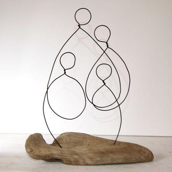 Sculpture en bois flotté et fil familiale. par ArtandImperfections