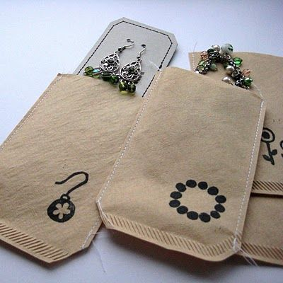 this fabulous Dutch Blog, By Miekk, shows you how to cleverly make coffee filter gift tags and gift wrap