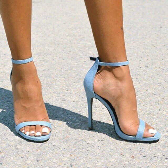 #highheels #stilettos #louboutins #redbottoms #6inch #makeup #fashion #girltalk #stiletto #coutoure #christianlouboutin #tumblr #instagram #facebook #stripperheels #heels #toes #ysl #sexy #shoefies #pumps #feet #fetish #shoeporn #shoeista #shoewhore #shoefetish #shoeaddict #footfetish