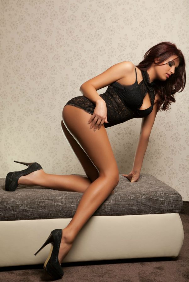 Pin Van Ko Op Legs - Sexy, Heels En Beautiful Legs-8015