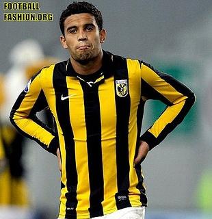 vitesse-2012-13-nike-kits-4 by Football Fashion, via Flickr // cocok buat jumatan