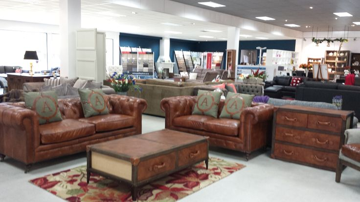 100% antique aniline leather chesterfield suite. Stunning!