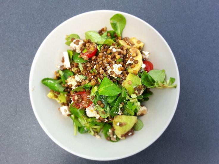 Salade met linzen, avocado en kerstomaten – Onze Keuken