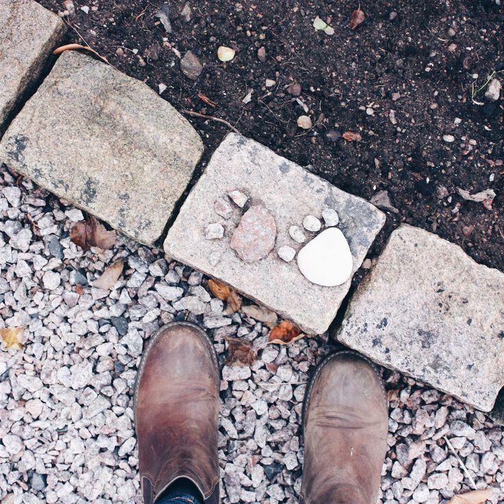 footprints feet foot garden diy