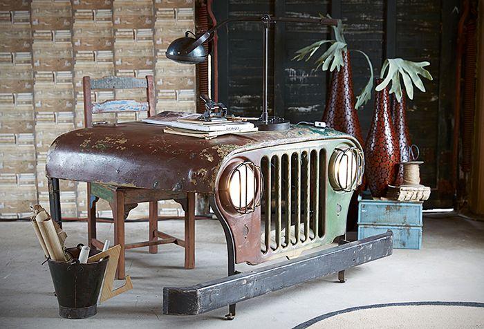 冒険野郎に捧ぐ、本物のジープをリメイクしたデスク「Jeep desk」   roomie(ルーミー)