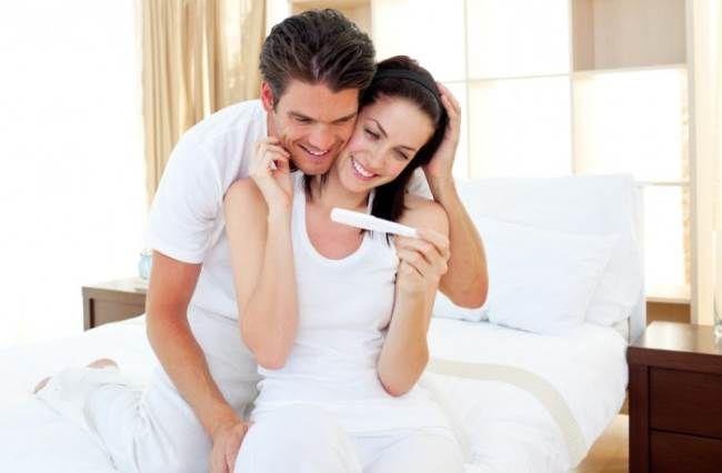 Планирование беременности со знанием нюансов С чего начинается беременность? Конечно, же беременность начинается с её планирования, но к сожалению не всегда получается её запланировать. Как правило, молодые пары начинают планировать пополнение в семье за полгода-год до предполагаемого зачатия. Чтобы ребенок родился здоровым нужно обоим родителям быть психологически настроенными и физически здоровыми.