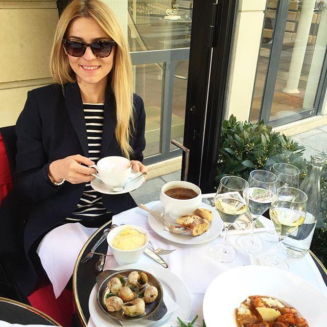 Słońce i kawiarnie wypełnione ludźmi... czyli w Paryżu wszystko po staremu ❤️ #hmconsciousexclusive #RueCostiglione #kochampaski #slimaki