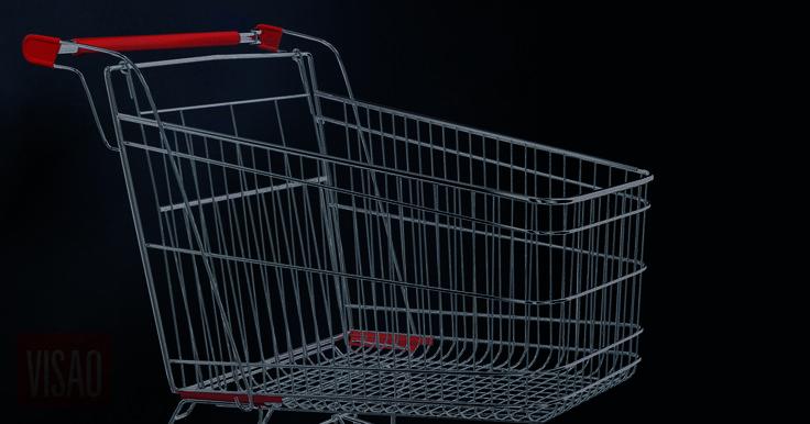 Muitos funcionários de supermercados sofrem problemas de saúde provocados pelo trabalho, surpreendentemente pesado. Veem os seus horários serem alterados de um dia para o outro. Chegam a ser obrigados a almoçar na rua, no carro, na casa de banho. Isto a troco de salários paupérrimos - o ordenado de um operador de caixa no topo da carreira é de 620 euros