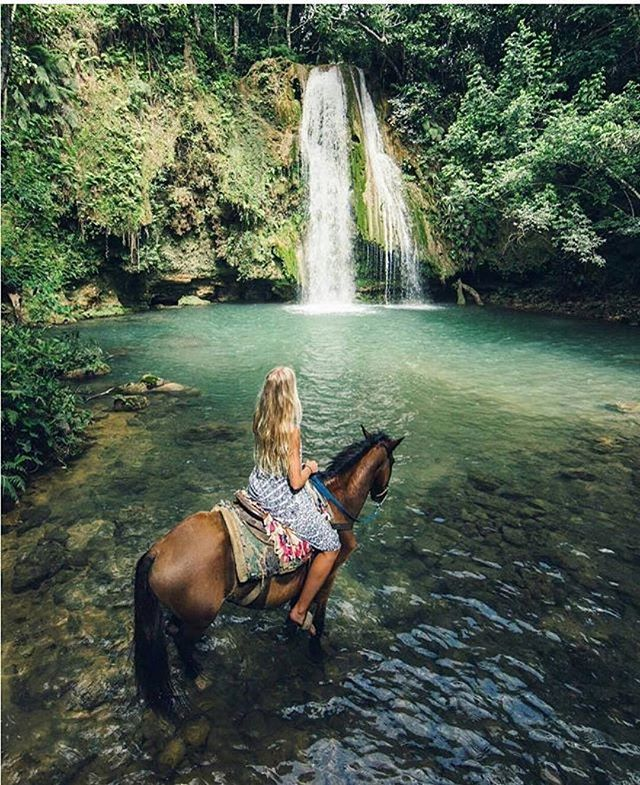 El Limon Waterfall, Samana, Dominican Republic Photo By @hilvees