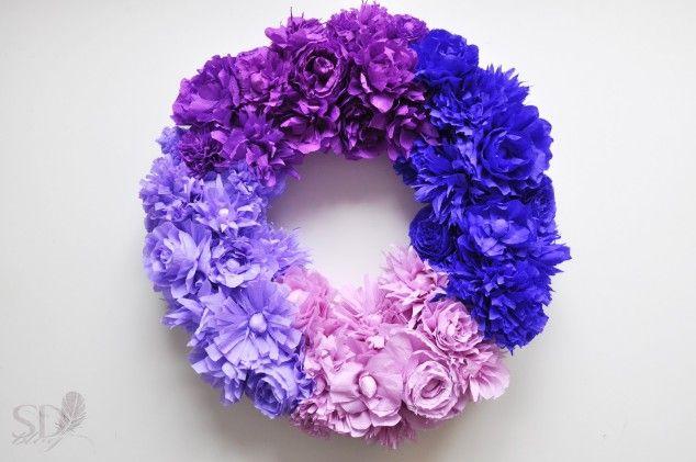 Popierinių gėlių vainikas - pasidaryk pats Paper flowers wreath - DIY
