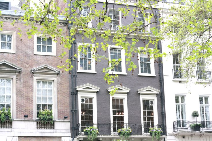 The townhouses and tree-lined streets of Mayfair