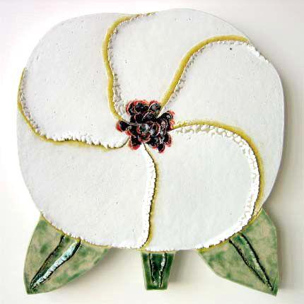 White, ceramic, flower, design.                        石本藤雄 セラミックアート | Sumally